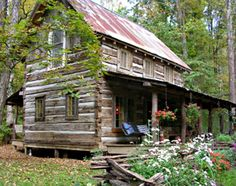 The Antique Cabin — perfect for a relaxing Brown County vacation
