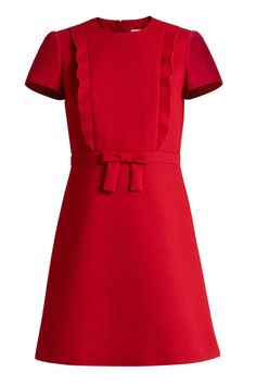 Browse and shop Redvalentino Bow-front Crepe Mini Dress from the world's best luxury designer boutiques at Modalist, choose from widest range of designer pieces. Vintage Red Dress, Robes Vintage, Vintage Dresses, Cute Dresses, Short Sleeve Dresses, Dresses For Work, Maxi Dresses, Looks Kate Middleton, Red Holiday Dress