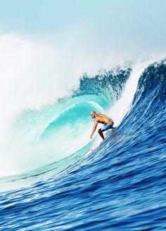 Kelly Slater... in Fiji...