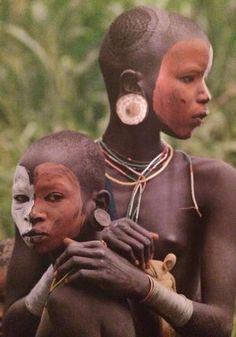 Etiopia, la tribù Suri