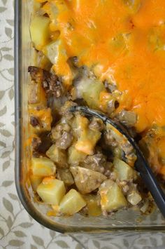 Easy Ground Beef and Potato Casserole recipe. Like a hamburger all in one dish. The ultimate quick weeknight comfort food.