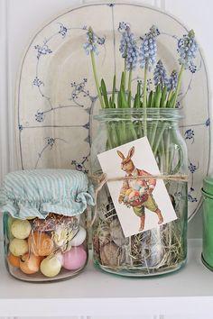 """Det finnes noen absolutte """"must"""" ting som skal til for at man føler at det er påske....og det er selvfølgelig påskemarsipanen!!! Og på..."""