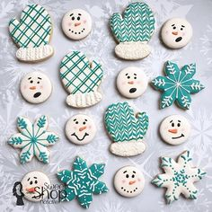 Brrrrr it is cold outside here how about where you are??? Winter cookies fit right in. . ❄️ . ❄️ #sweetshopnatalie #slcutah #decoratedsugarcookies #sugarcookies #snowflake #mittens #snowman #christmascookies #cookiesofinstagram #edibleart