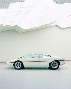 concept-car-benedict-redgrove-bertone-10
