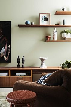 This Autumn Dulux NZ brings a rustic-luxe feel to the forefront with rich, natural colours, mid-tone timbers and simple yet sophisticated. Green Color Schemes, Living Room Color Schemes, Living Room Colors, Living Room Decor, Light Green Walls, Sage Green Walls, Olive Living Rooms, Living Room Green, Rustic Luxe