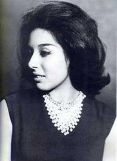 A young Loubna abdelaziz. Egyptian Beauty, Egyptian Women, Turkish Beauty, Egyptian Art, Vintage Glam, Vintage Beauty, Arab Celebrities, Celebs, Egyptian Movies