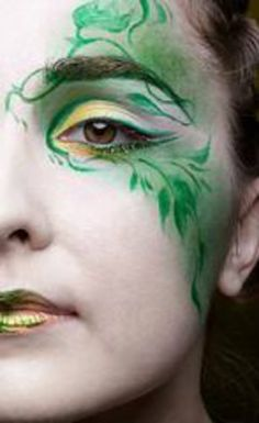 Green faerie makeup | Glitter and Decay