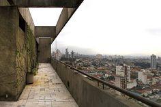 Paulo Mendes da Rocha - Edifício Jaraguá | Flickr – Compartilhamento de fotos! Lost & Found, View Image, Railroad Tracks, Architecture Design, Concrete, In This Moment, River, Space, Twitter