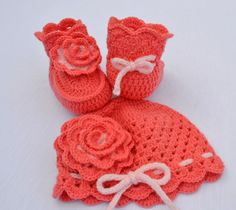 set de gorro y escarpines
