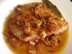 Receta ATUN ENCEBOLLADO (fussioncook) para la cocina de sebeair Spanish Dishes, Spanish Food, Tapas, Baked Brie, Seafood Recipes, Cabbage, Pork, Food And Drink, Yummy Food
