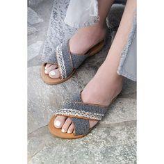 ▪️Caviar▪️ 📷@luminouswonders.photography #photoshooting #handmade #crafts #jewelry #sandals #greeksandals #greekleather #maralcrafts…