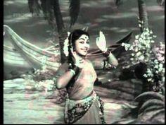 Watch Tamil superhit song - Uravu Solla from the movie Paasam. Saroja Devi, Kalyan Kumar, Sheela, T. Kannada Movies Online, Old Song Download, Film Song, Classic Songs, Wonder Woman, Singer, Superhero, Music, Fictional Characters
