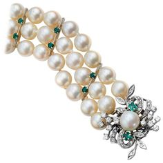 Akoya Pearl Bracelet with Emerald and Diamond Clasp 1