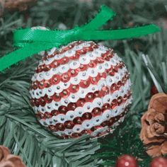 Holiday Sequin Ornament|Beverly's How-To