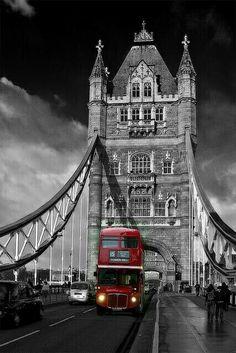 Red London Bus on Tower Bridge, London, England City Of London, London Bus, London Bridge, London Hotels, London Transport, London Travel, Belle Villa, Jolie Photo, Best Cities