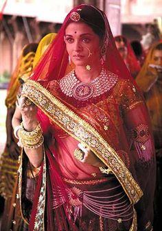 "Aishwarya Rai in the Bollywood film ""Jodhaa Akbar"" as The Mughal Empress, Jodha Bai Aishwarya Rai Jodha Akbar, Jodhaa Akbar, Saris, Indian Wedding Jewelry, Indian Bridal, India Wedding, Pakistani Bridal, Indian Dresses, Indian Outfits"