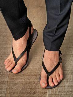 Lanvin Leather Thong Sandals in Black for Men - Lyst