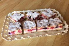 Tvarohovo ovocný koláčik, recept, Koláče | Tortyodmamy.sk Sweet Recipes, Ham, Sweet Tooth, Deserts, Cakes, Food, Anna, Basket, Pies