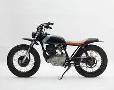 Yamaha SR250 #tracker discover #motomood