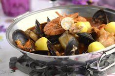 Cataplana de tamboril e marisco Portuguese Recipes, Portuguese Food, Fish And Seafood, Pot Roast, Food And Drink, Homemade, Fruit, Cooking, Ethnic Recipes