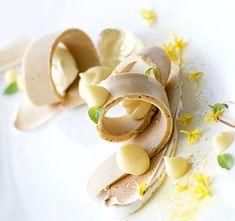 Frozen liquid poppyseed sable, yuzu curd, vanilla ice-cream, elderflower jelly, meringue