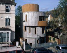 Chance de Silva, Vex, London Concrete Architecture, Contemporary Architecture, Art And Architecture, Architects London, Curved Walls, Concrete Houses, Exposed Concrete, Amazing Buildings, Brick And Stone