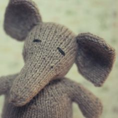 Wee Ones Elephant on Craftsy.com Take a look at our latest interview. Today we feature Susan B Anderson of Itty Bitty Knits with a fascinating discussion about her life and her craft.