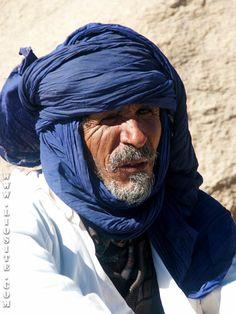 «Noi Tuareg abbiamo una massima», disse. «Sì? E qual è?» «Gli occidentali hanno orologi, ma i Tuareg hanno tempo.» […] Avere tempo .... non è forse il sogno di tutti? In fondo si tratta di scegliere.. #SergioBambarén, #tempo, #orologi, #fretta, #correre, #liosite, #citazioniItaliane, #frasibelle, #ItalianQuotes, #Sensodellavita, #perledisaggezza, #perledacondividere,