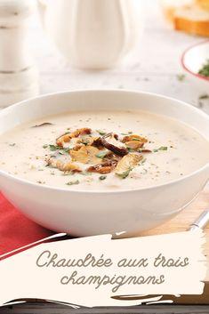 Une soupe crémeuse aux trois champignons: réconfort garanti! Cheeseburger Chowder, Money, Food, Cream Soups, Cream Of Mushrooms, Fine Dining, Silver, Essen, Meals