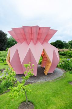 Artistic duo Studio Morison has erected a pink pavilion shaped like an origami pineapple in the centre of the walled garden of the Berrington Hall country estate in Herefordshire, England. Tropical Architecture, Architecture Design, Georgian Mansion, Origami Lamp, Origami Paper, Estilo Tropical, Garden Pavilion, Origami Wedding, Origami Decoration