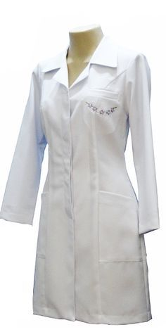 Renatta Aventais, Jalecos - Porto Alegre Scrubs Uniform, Lab Coats, Medical Uniforms, Nursing Clothes, Fashion Design Sketches, Hijab Outfit, Fashion Sewing, African Dress, Pretty Woman