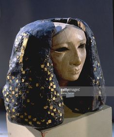 Head of a female statue, possibly a princess, It is composed of two parts, the face and the wig, joined with tenons. Square tesserae of gold have been inserted in the wig. Egypt. Ancient Egyptian. 12th Dynasty, reign of Amenemhet I, 1991 1962 BC. Lisht royal cemetery.