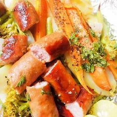 The perfect oven vegetables in 5 steps Stories Roasted Vegetables Seasoning, Oven Vegetables, Roasted Vegetable Recipes, Vegetable Seasoning, Grilled Vegetables, Mushroom Soup Pork Chops, Spareribs, Easy Pork Chop Recipes, Kitchen Stories