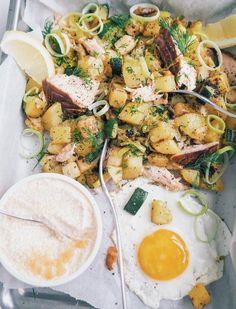 Savulohipyttipannu ja mätikastike // Smoked Salmon & Potatoes & Roe sauce Food & Style Alisa Wilska, Suusta suuhun Photo Alisa Wilska www.maku.fi