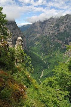 ioannina-grecce Vikos Gorge in Pindus Mountains, Epirus, Greece. The Vikos Gorge at deep is one of the deepest in the world, indeed the deepest in proportion t Beautiful Islands, Beautiful World, Beautiful Places, Albania, Santorini, Places Around The World, Around The Worlds, Places To Travel, Places To Visit