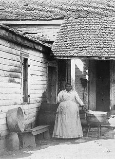 +~+~ Antique Photograph ~+~+  African American woman in front of her home ~ Fayette County, Kentucky ca. 1901