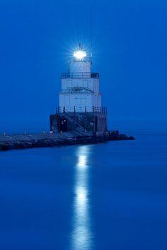 Manitowoc Breakwater Light by rexp2, via Flickr