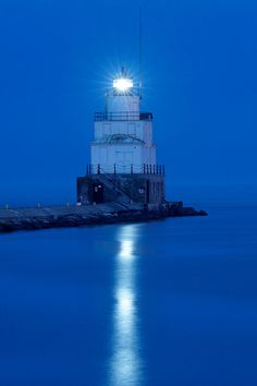 Manitowoc Breakwater Light by rexp2, via Flickr