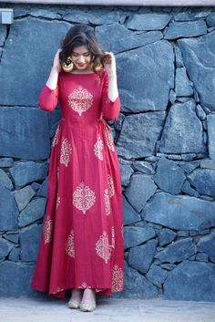 Bollywood Hot Designer Women's Kurtis from Shahjaan's Shop Indian Fashion Dresses, Indian Gowns Dresses, Indian Designer Outfits, Indian Outfits, Designer Dresses, Fashion Clothes, Style Fashion, Fashion Wear, Dress Fashion