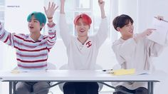 Animated gif discovered by ੈ♡˳ᴅᴇsᴛɪɴʏ? Find images and videos about gif, bts and jungkook on We Heart It - the app to get lost in what you love. Bts Vmin, Jimin Jungkook, Bts Taehyung, Seokjin, Namjoon, Jung Hoseok, Vkook, Bts Maknae Line, Blackpink And Bts