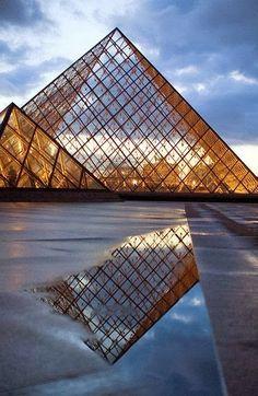 Paris, Musee du Louvre, Pyramide de Pei