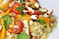 Salade au Halloumi   Salut Bonjour Halloumi, Samosas, Sauce A Fondue, Mets, Salad Dressing, Ketchup, Cobb Salad, Grains, Salads