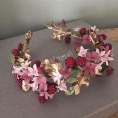 Bridal Flowers, Flowers In Hair, Casco Floral, Enchanted Bridal, Flower Tiara, Flower Crowns, Flower Crown Hairstyle, Hair Jewels, Hair Wreaths