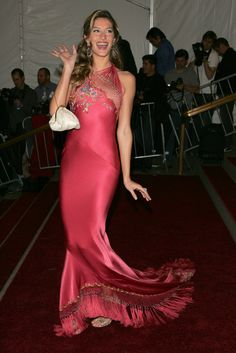 Gisele Bündchen in Alexander McQueen in 2006 - The Best Met Gala Dresses of All Time