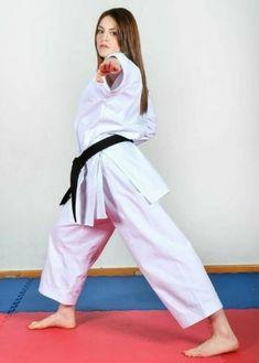 Female Martial Artists, Martial Arts Women, Martial Arts Workout, Karate Girl, Women's Feet, Taekwondo, Girl Poses, Strong Women, Kicks