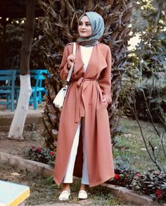 Hijab Fashion Selection of veiled special trends Modest Fashion Hijab, Modern Hijab Fashion, Casual Hijab Outfit, Hijab Fashion Inspiration, Islamic Fashion, Abaya Fashion, Muslim Fashion, Modest Outfits, Fashion Outfits