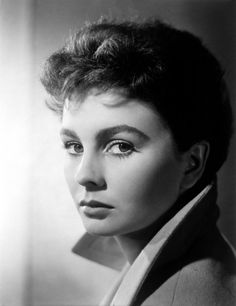 Ernest Bachrach - Jean Simmons Stunning Studio Portrait Movie Star News Fine Art Classic Actresses, British Actresses, Hollywood Actresses, Beautiful Actresses, Actors & Actresses, Hispanic Actresses, Brunette Actresses, Black Actresses, Young Actresses
