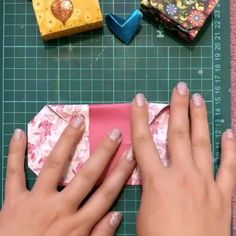 fare oggetti di valore origami - The Effective Pictures We Offer You About diy A quality picture - Diy Crafts Hacks, Diy Crafts For Gifts, Diy Arts And Crafts, Creative Crafts, Instruções Origami, Origami Tattoo, Paper Crafts Origami, Origami Videos, Cool Paper Crafts