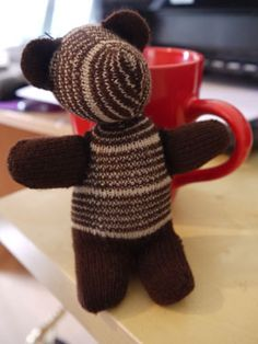 A tutorial on how to make a glove into a bear. A Pinterest favorite!
