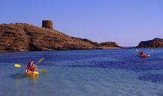 Es Grau - Cala sa Torreta en kayak - Descubrir Menorca. A 30 minutos caminando desde Agroturismo Sa Torre Blanca. Southern Europe, Getting Out, Jewel, Villa, Island, Vacation, Water, Outdoor, Sea Kayak